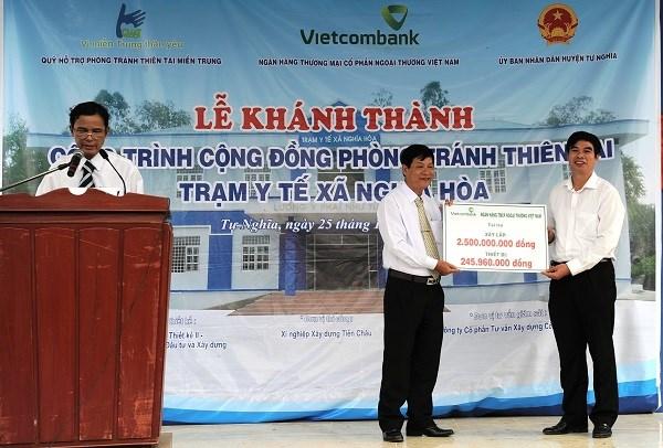 Vietcombank tài trợ hơn 20 tỷ phòng tránh thiên tai miền Trung