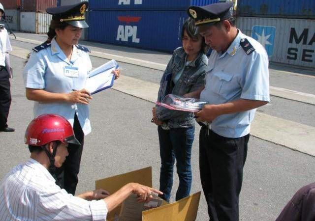 Hải quan Đà Nẵng: Gắn nội dung thi đua vào thực hiện nhiệm vụ chính trị