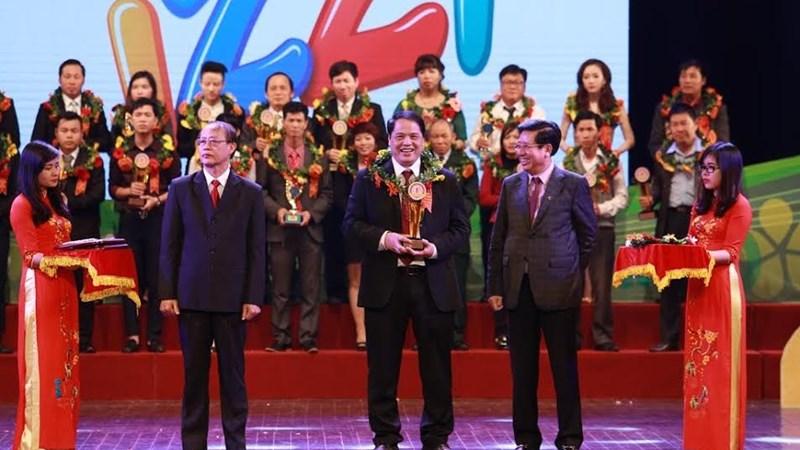 """Sữa IZZI  -  """"Top 10 thương hiệu thực phẩm tốt nhất Việt Nam"""