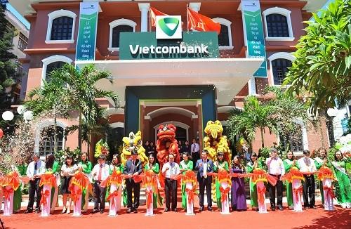 Vietcombank Huế tổ chức Hội nghị khách hàng và khánh thành trụ sở