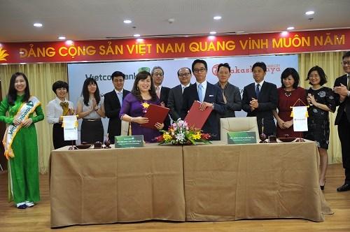 Vietcombank, takashimaya và Keppel Land hợp tác ra mắt thẻ Đồng thương hiệu