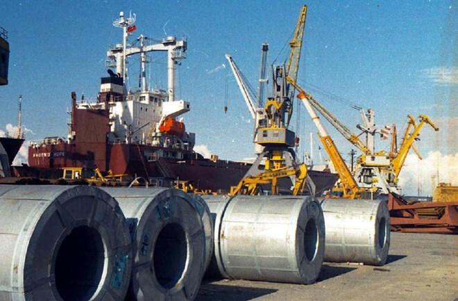 Áp thuế tự vệ đối với thép nhập khẩu: Diễn biến và những tác động