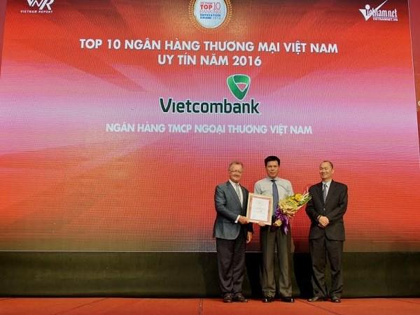 Vietcombank - Top 10 ngân hàng uy tín nhất năm 2016