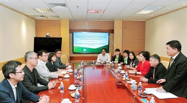 Công đoàn Tài chính - Ngân hàng Hàn Quốc làm việc với Vietcombank