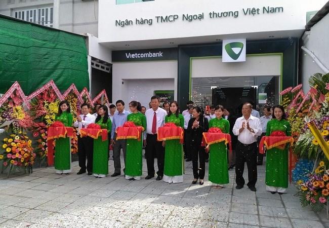Khai trương Phòng giao dịch Vietcombank Cái Bè