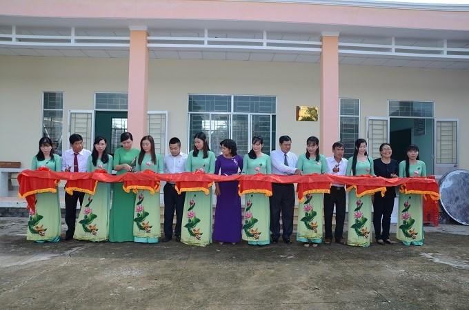 PVCFC bàn giao điểm trường tại Long An