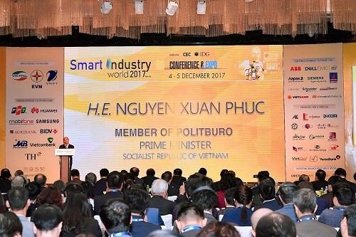 """Vietcombank đồng hành cùng Triển lãm """"Phát triển công nghiệp thông minh 2017"""""""