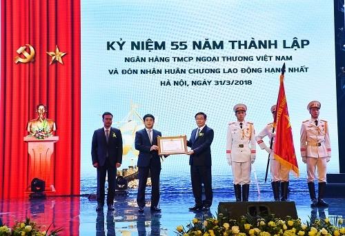 Vietcombank kỷ niệm 55 năm thành lập và đón nhận Huân chương Lao động hạng Nhất