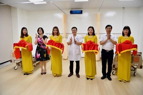 Vietcombank tài trợ nâng cấp 02 phòng bệnh của Bệnh viện Hữu Nghị