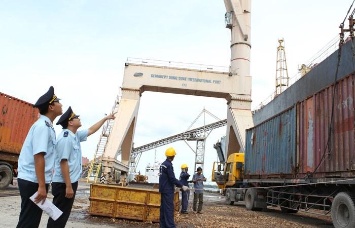 Tìm giải pháp phát triển kinh tế cảng biển