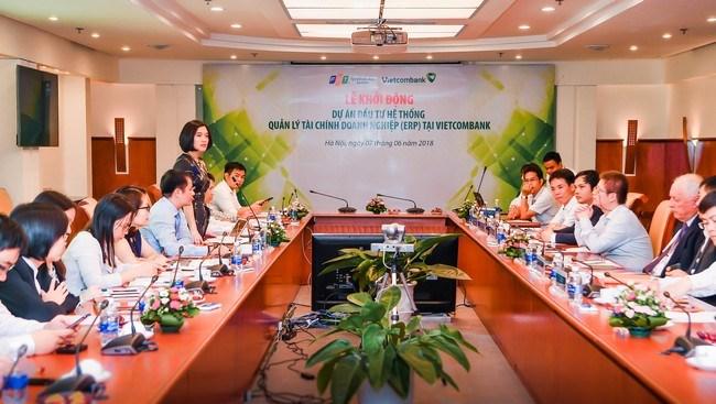 """Triển khai dự án """"Đầu tư hệ thống quản lý tài chính doanh nghiệp tại Vietcombank"""""""