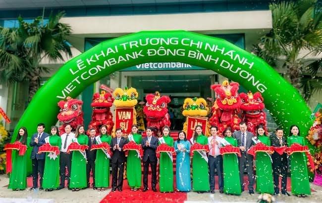 Vietcombank khai trương hoạt động chi nhánh Bình Dương