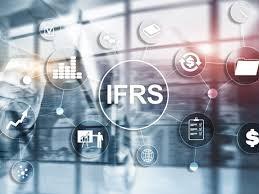 Vận dụng chuẩn mực lập báo cáo tài chính quốc tế để lập báo cáo tài chính tại các doanh nghiệp Việt Nam