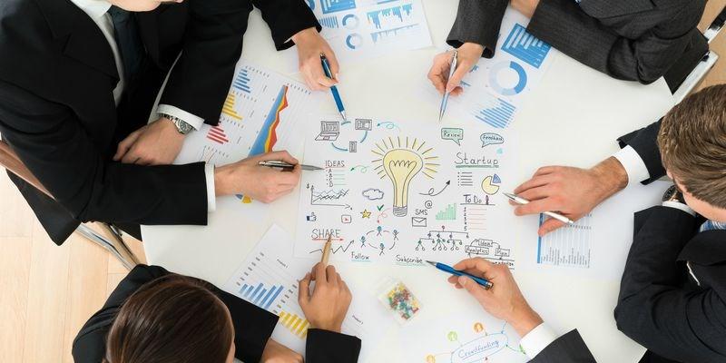 """Thiết lập """"đường ray"""" vững chắc cho doanh nghiệp tăng tốc"""