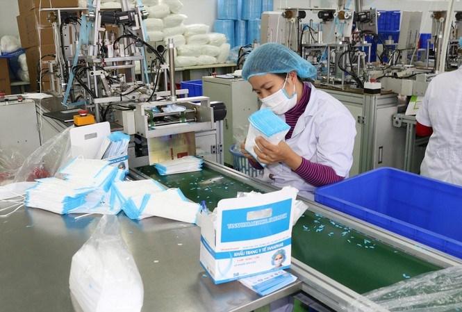 Chính phủ miễn thuế nhập khẩu nước khử trùng, khẩu trang để phòng chống dịch