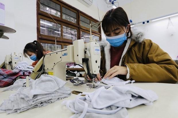 Doanh nghiệp dệt may khẩn trương sản xuất khẩu trang phòng dịch nCoV
