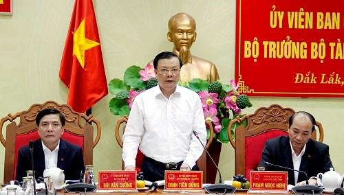 Bộ trưởng Bộ Tài chính Đinh Tiến Dũng làm việc tại tỉnh Đắk Lắk