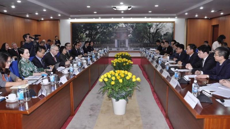Bộ trưởng Đinh Tiến Dũng làm việc với Hội đồng Kinh doanh Hoa Kỳ