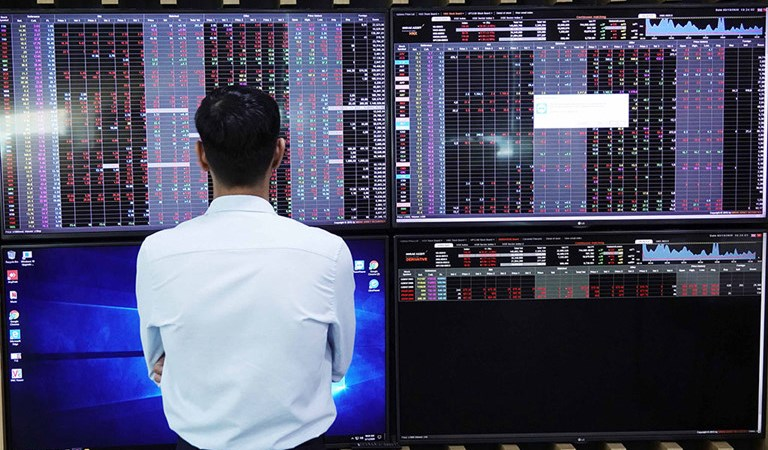 Thị trường chứng khoán Việt Nam cần thêm thời gian để phục hồi