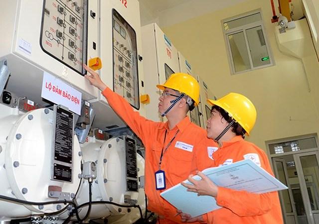 Bộ Công Thương đề xuất giảm 10% giá điện trong 3 tháng