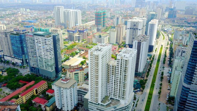 Thị trường lao dốc, giá bất động sản vẫn không giảm