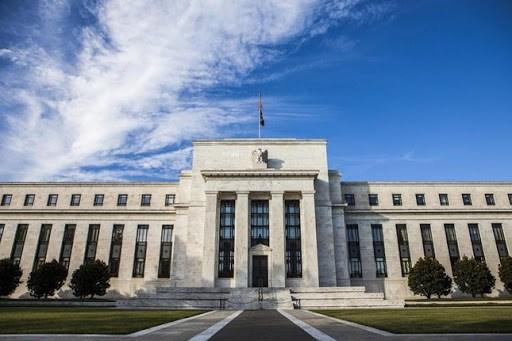 """Fed """"nã đại bác"""" phố Wall được giải nguy"""