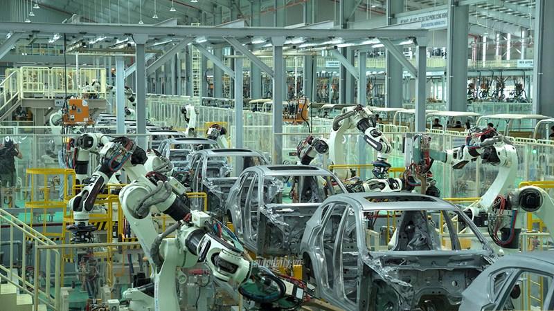 """Các doanh nghiệp ô tô """"thấp thỏm lo âu"""" trước nguy cơ Mỹ áp thuế"""