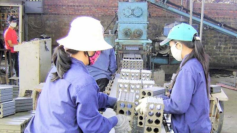 COVID-19: 35 tỷ đồng hỗ trợ hàng chục nghìn người lao động tại Hà Nội