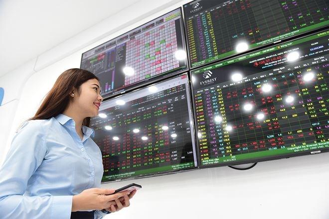 Thị trường chứng khoán tháng 6: Cơ hội với midcap
