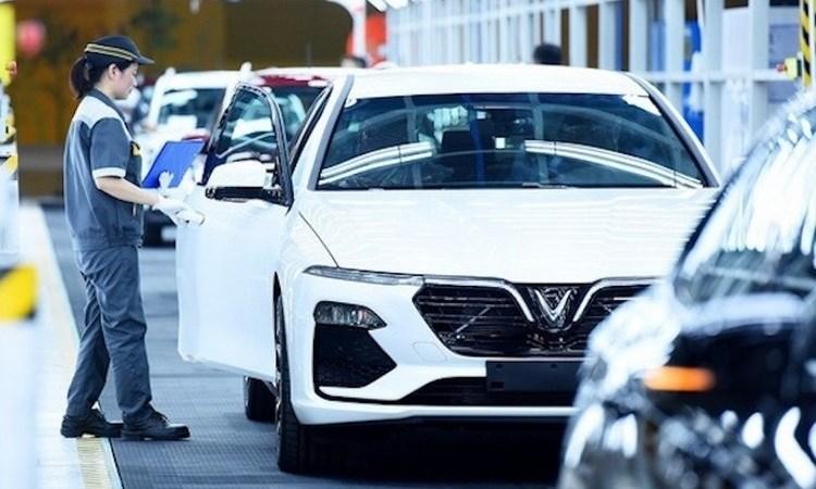 Bộ Tài chính lấy ý kiến về dự thảo nghị định giảm 50% lệ phí trước bạ ôtô