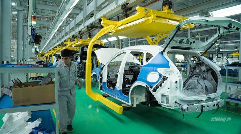 Bộ Tài chính đề xuất giảm 50%lệ phí trước bạ đối với xe sản xuất, lắp ráp trong nước