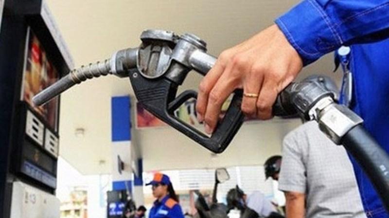 Giá xăng dầu đi lên khiến chỉ số giá tiêu dùng tháng Bảy tăng 0,4%