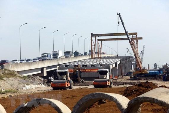 Đẩy mạnh giải ngân vốn đầu tư công dự án giao thông vận tải