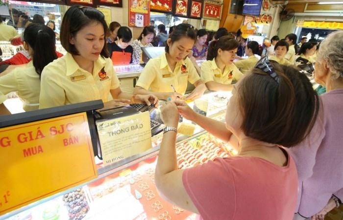 Giá vàng trong nước tăng phi mã lên 41,57 triệu đồng mỗi lượng