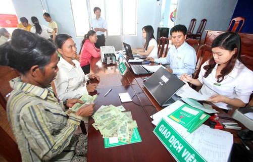 Giải pháp nâng cao khả năng tiếp cận vốn tín dụng chính sách cho người nghèo