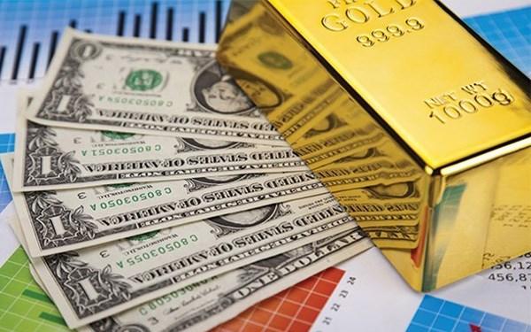 """Tỷ giá trung tâm giảm nhẹ, giá USD tại các ngân hàng vẫn """"đứng yên"""""""