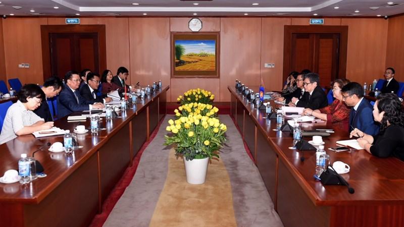 Bộ trưởng Đinh Tiến Dũng làm việc với Tổng Thư ký ASEAN