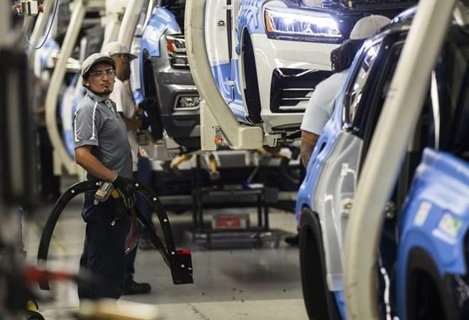 Sản xuất công nghiệp Mỹ suy giảm lần đầu tiên kể từ năm 2016