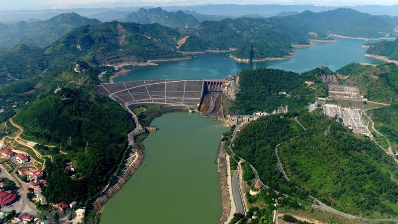 Nước hồ thủy điện lưu vực sông Đà thấp nhất trong 30 năm qua