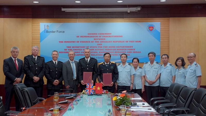 Hợp tác trong lĩnh vực hải quan giữa Việt Nam và Vương quốc Anh