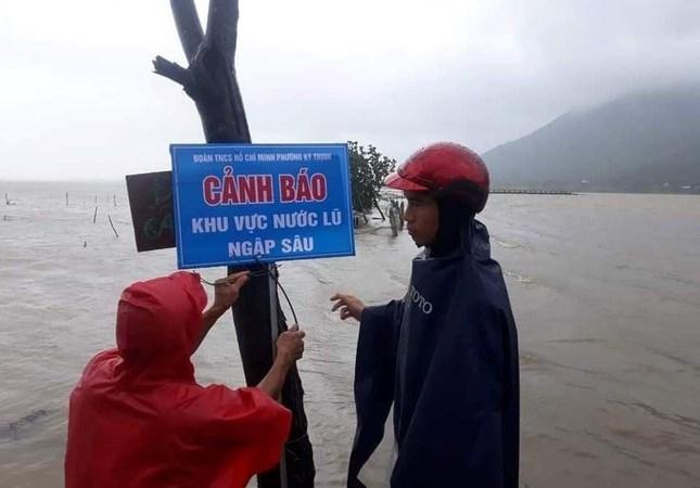 Lực lượng Hải quan chủ động ứng phó, đảm bảo hoạt động trong mưa lũ