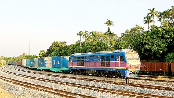 Thận trọng nghiên cứu dự án đường sắt Lào Cai - Hà Nội - Hải Phòng