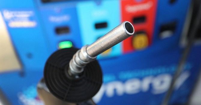 Giá dầu bật tăng hơn 8%