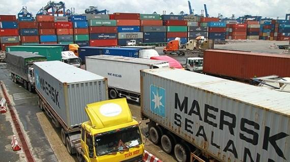 Thiếu bãi đậu xe container trầm trọng, doanh nghiệp vận tải