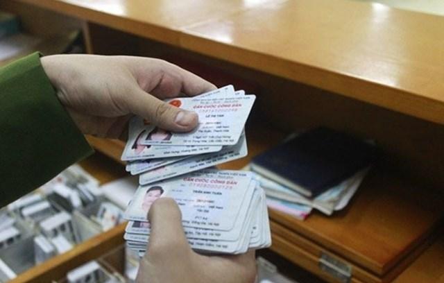 Dừng cấp thẻ căn cước công dân mã vạch và chứng minh thư 9 số