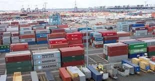Xuất nhập khẩu hàng hóa cả nước giảm mạnh tháng đầu năm