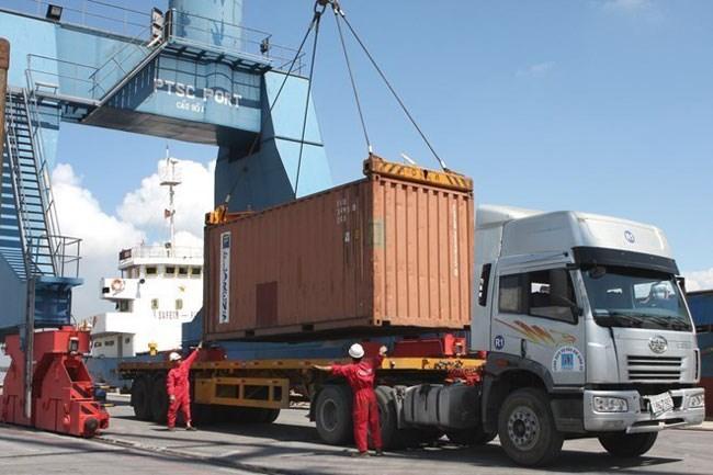 Bộ Tài chính tạo thuận lợi cho các doanh nghiệp nhập khẩu nguyên liệu phòng chống dịch