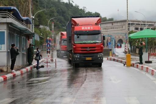 Gần 500 xe nông sản đã được thông quan đảm bảo các biện pháp kiểm dịch chặt chẽ