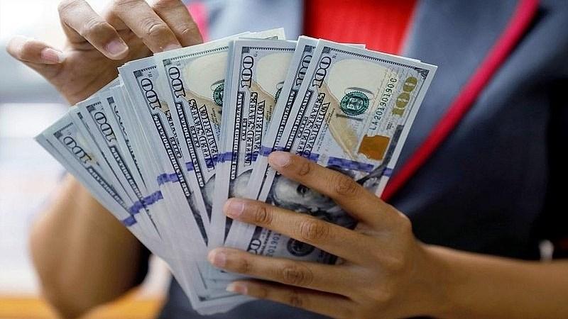 Ngân hàng Nhà nước mua vào lượng lớn USD để củng cố dự trữ ngoại hối