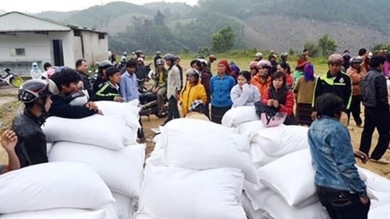 Trên 2.500 tấn gạo hỗ trợ cứu đói được gửi tới 5 tỉnh